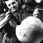 Globenherstellung im Columbus-Verlag